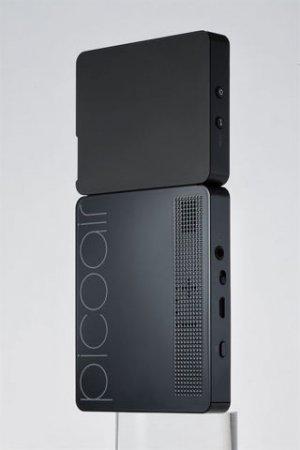 PicoAir - портативный проектор для смартфонов